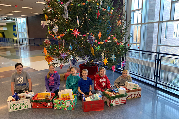 Bear Creek School holds holiday food drive