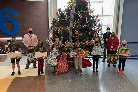 Bear Creek School holds holiday food drive and Giving Tree
