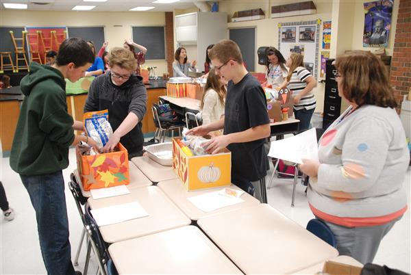 Elizabethtown Area Middle School Delivers Food Baskets For Thanksgiving