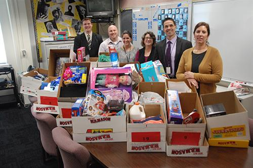 EAMS Angel Tree Program Supports Local Families