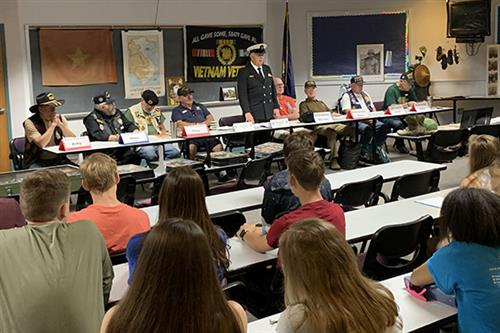 Vietnam veterans share their stories with EAHS history students