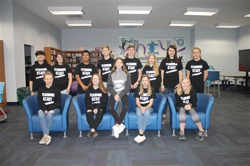 2019-2020 MS Yearbook Staff